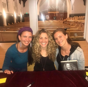 Meeting yogini activist Seane Corn for the 1st time
